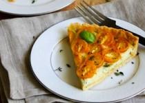 Пирог с помидорами черри и песто