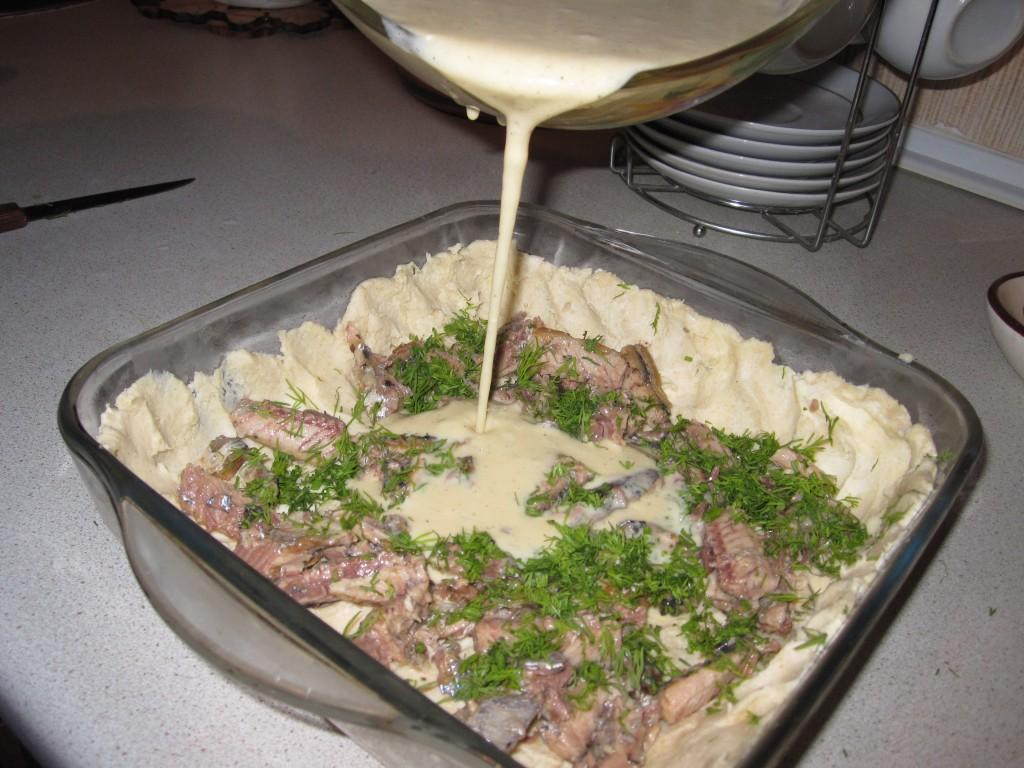 Рыбный пирог с консервами рецепт